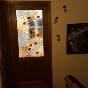 Insertion panneau de Vitrail dans porte
