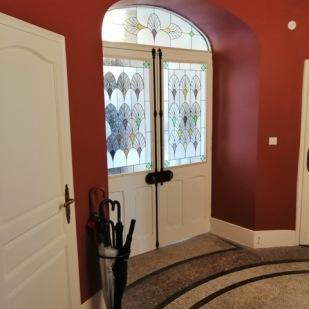 Création, réalisation et pose de vitraux des portes d'entrée de la Villa Laralde à Biarritz, siège début 20ème du premier atelier haute-couture de Mademoiselle Gabrielle dite Coco Chanel